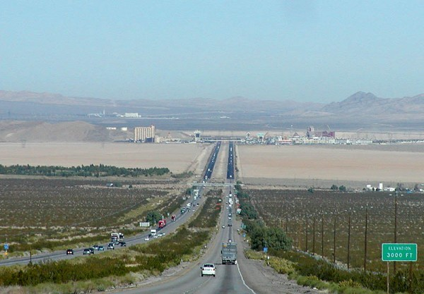Interstate 15 Ivanpah Valley 600x417 at The Top 10 Most Dangerous Roads To Drive In America