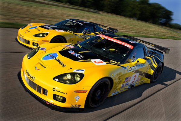 corvette racing at Corvette C5 vs C6