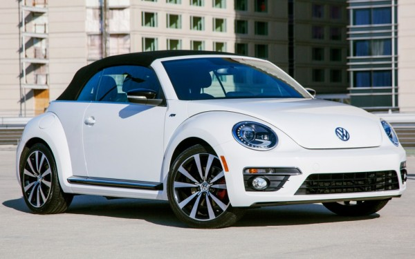 2014 Volkswagen Beetle Convertible R Line front side 600x375 at Is the New Beetle R a Poor Mans Porsche?