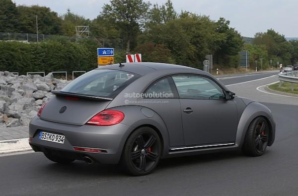 spyshots volkswagen beetle r 600x394 at Is the New Beetle R a Poor Mans Porsche?
