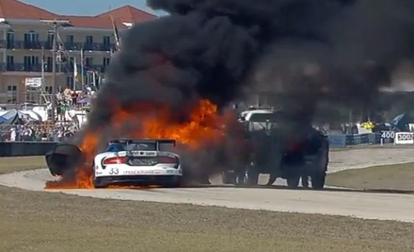 srt viper fire sebring at SRT Viper Race Car Burns to a Crisp at Sebring