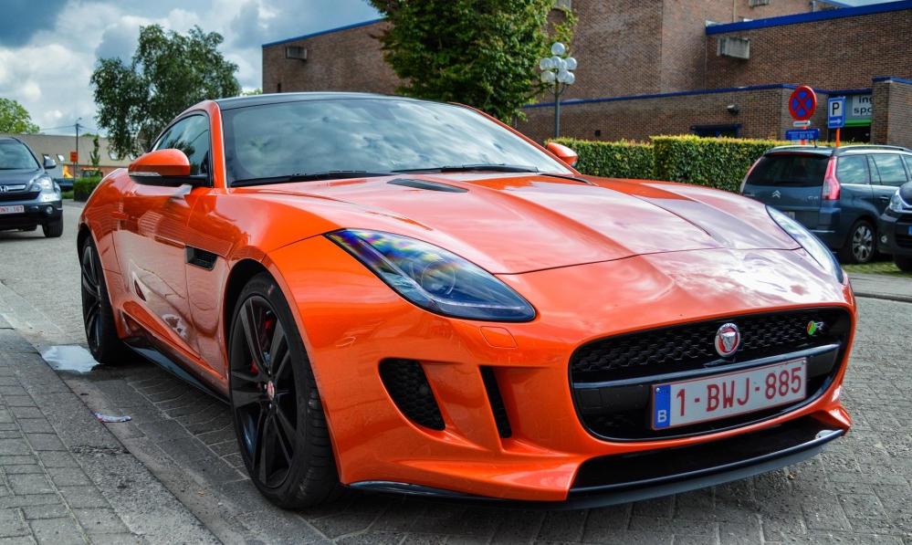 Jaguar F-Type R Coupe Looks Juicy in Orange