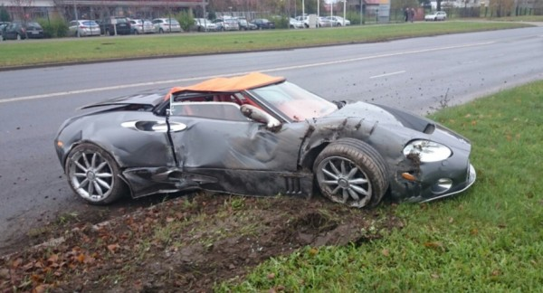 Spyker C8 Totaled 3 600x324 at Sad: Rare Spyker C8 Totaled in Latvia