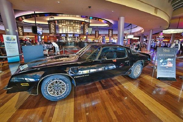 bandit1 at Burt Reynolds' Bandit Trans Am Makes $480,000