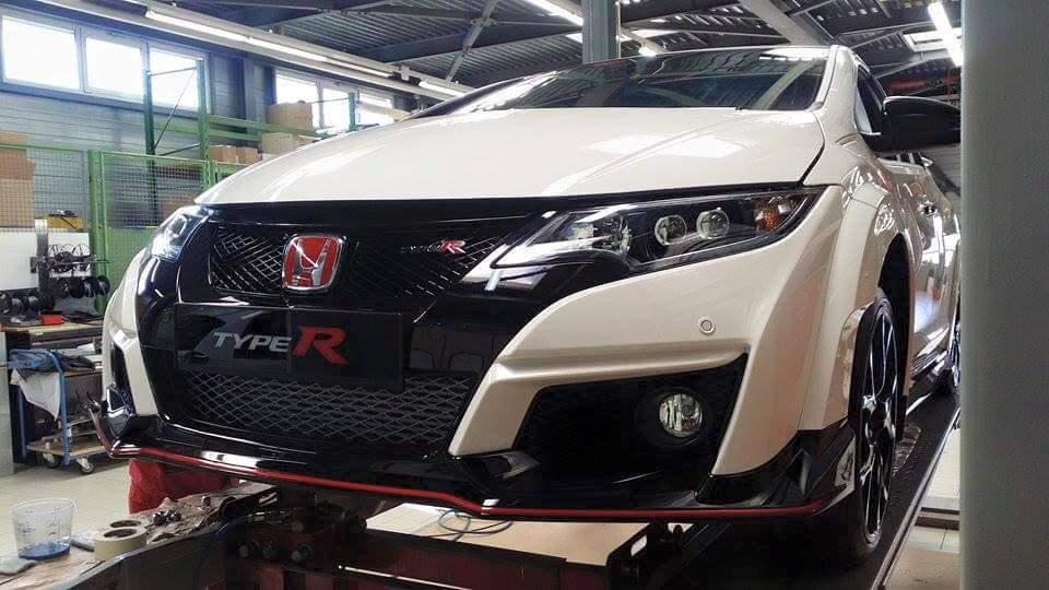 Civic Type R spy 0 at First Look: New Honda Civic Type R