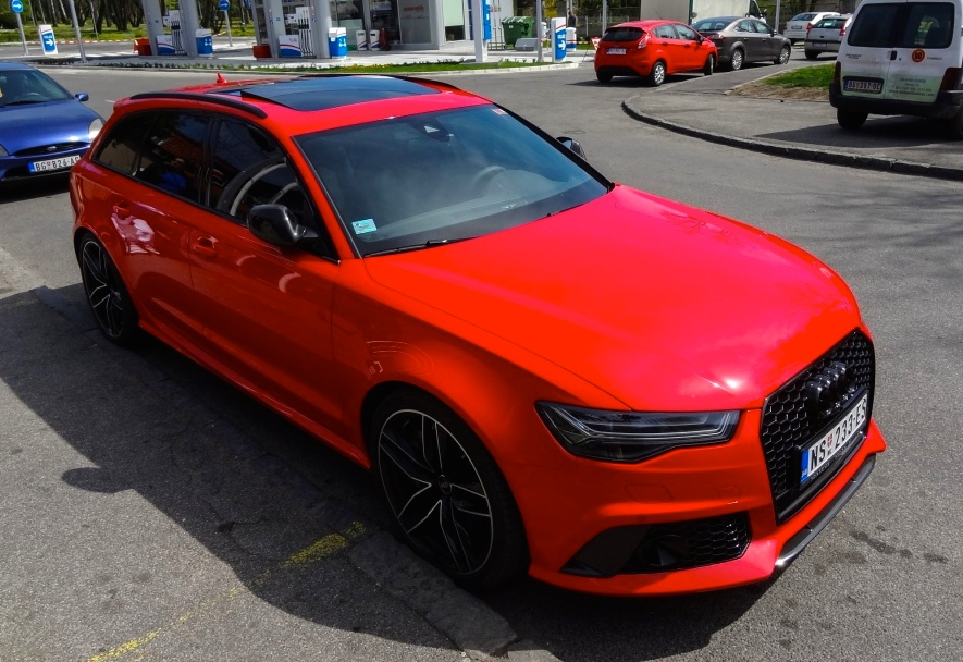 Red Audi Rs