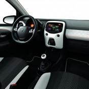 Peugeot 108 Roland Garros 2 175x175 at Peugeot 108 Roland Garros Edition Unveiled