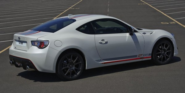 Toyota GT86 Blanco 00 600x302 at Official: Toyota GT86 Blanco Special Edition