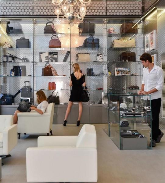 casa maserati 3 541x600 at Casa Maserati Retail Store Opened in Milan
