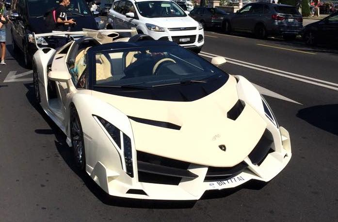 This Lamborghini Veneno Roadster Looks Like A Kit Car