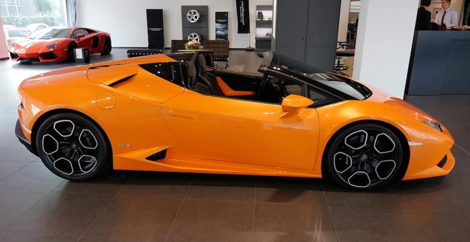 Lamborghini Huracan Spyder Looks Amazing in Orange