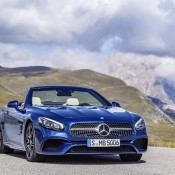 2017 Mercedes SL Official 2 175x175 at 2017 Mercedes SL Goes Official