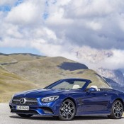2017 Mercedes SL Official 4 175x175 at 2017 Mercedes SL Goes Official