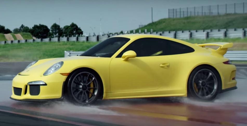 Watching a Porsche 991 GT3 Spin Is Strangely Attractive!