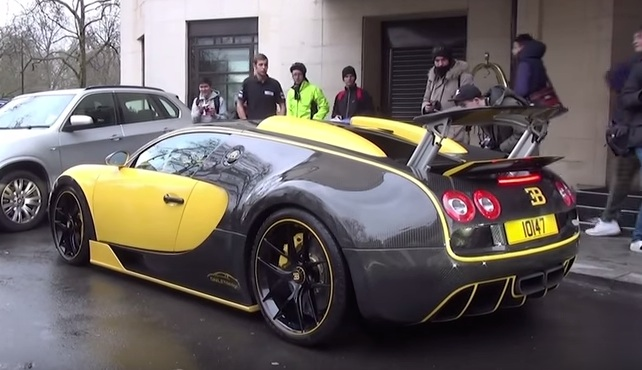 Oakley Design Bugatti Veyron Filmed on the Road