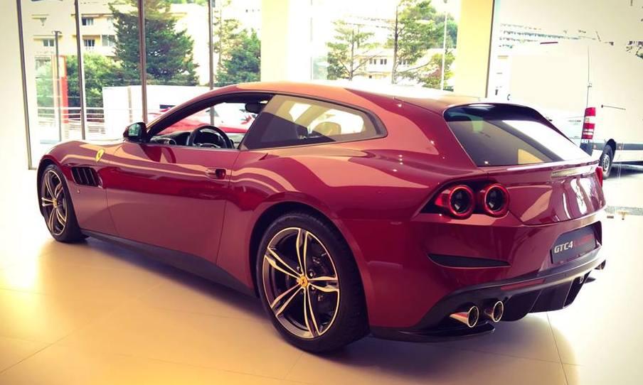 Ferrari Gtc4 Lusso Showroom Photos