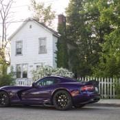 Purple Dodge Viper 1 175x175 at Purple Dodge Viper Looks Vicious in the Wild