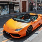 huracan spyder paris 1 175x175 at Lamborghini Huracan Spyder Looks So Good, It Should be Illegal