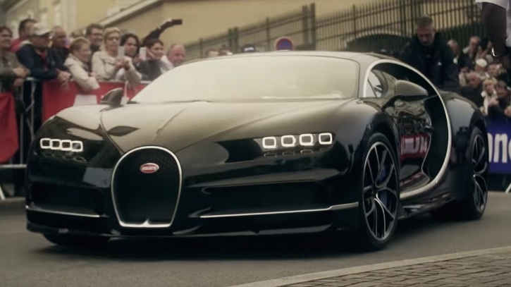 Black Bugatti Chiron Wows the Crowd at Le Mans 24h Drivers ...
