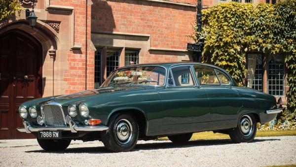Lyons Jaguar Mk X 1 600x339 at Sir Lyon's Personal Jaguar Mk X Up for Auction