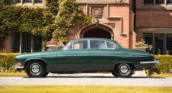 Lyons Jaguar Mk X 2 600x325 at Sir Lyon's Personal Jaguar Mk X Up for Auction
