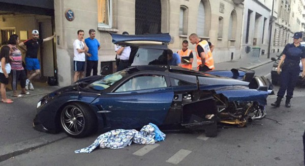 Pagani Huayra Pearl Crash 2 600x326 at One Off Pagani Huayra Pearl Crashed in Paris