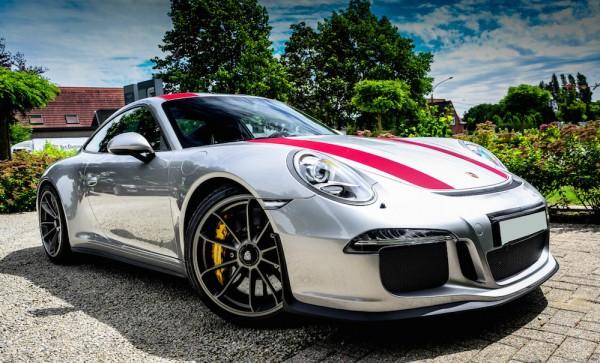 Silver Porsche 911 R 0 600x363 at Silver Porsche 911 R Is Just Eye Popping!