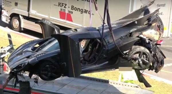 one 1 crash 600x328 at Koenigsegg One:1 Wrecked in Heavy Nurburgring Crash