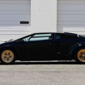 Lamborghini Countach auction 2 175x175 at Up for Grabs: Lamborghini Countach with 10K Miles