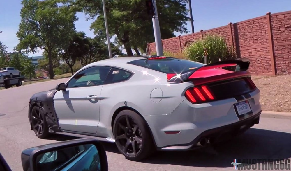 gt500 mule at New Shelby GT500 Prototype Spotted in Detroit