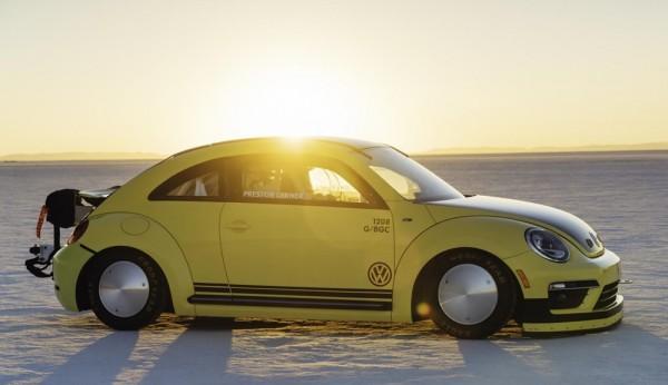 Beetle LSR Salt Flats 0 600x346 at World's Fastest Beetle Clocks 205 mph at Bonneville