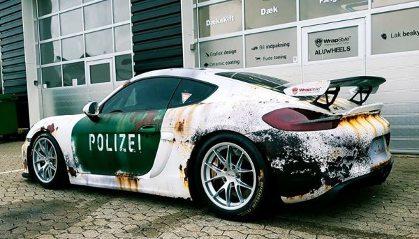 cayman rusty polizei 1 600x343 at Porsche Cayman in Rusty Polizei Wrap