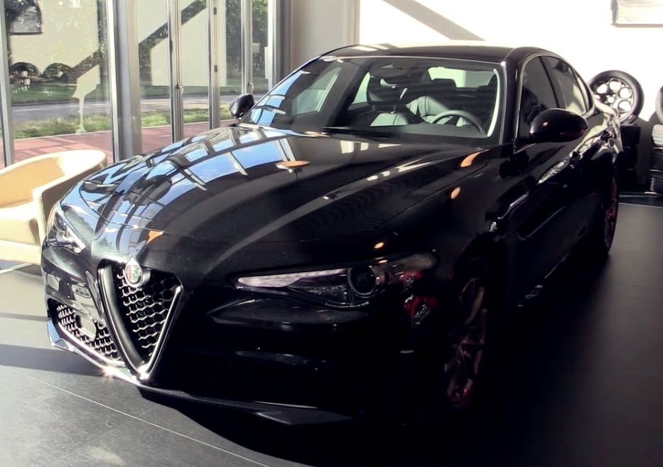 alfa romeo giulia looks mean in black