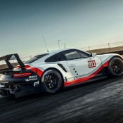 Porsche 991 RSR 5 175x175 at Porsche 991 RSR Officially Unveiled