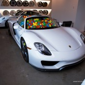 SR Auto porsche 918 balls 1 175x175 at Porsche 918 Filled with Balls for a Noble Cause