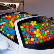 SR Auto porsche 918 balls 3 175x175 at Porsche 918 Filled with Balls for a Noble Cause