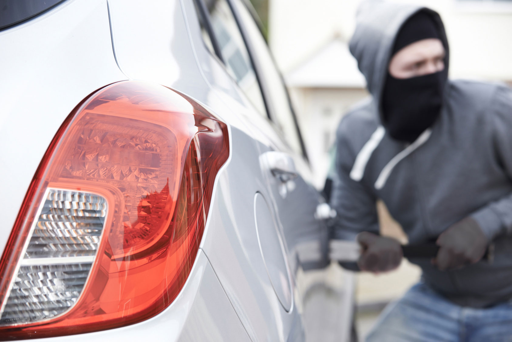 car theft stealing at How to avoid a car theft in Houston?