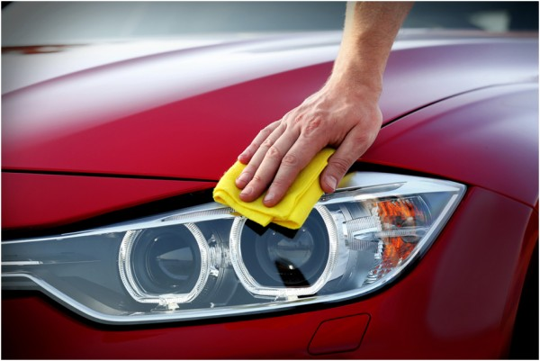 wax car 600x401 at 4 Essential Tips on Car Care