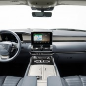 Lincoln Navigator 2018 3 175x175 at 2018 Lincoln Navigator Has Seriously Cool Drive Mode Graphics