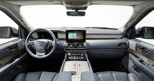 Lincoln Navigator 2018 3 600x315 at New Lincoln Navigator   The Best Luxury SUV... In the World?