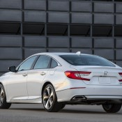 2018 Honda Accord 3 175x175 at Official: 2018 Honda Accord