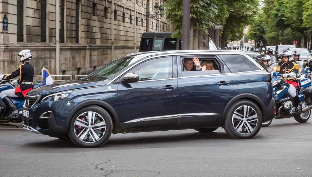 macron 5008 0 at President Macron Gets a Peugeot 5008