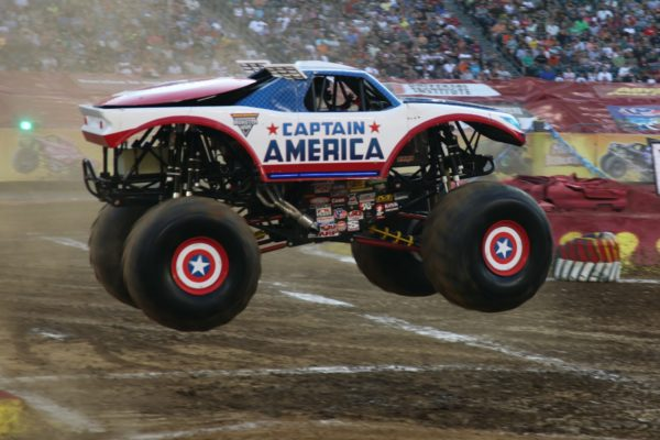 Hot wheels monster truck captain america 600x400 at Monster Trucks   Passion for Off Road Adventure