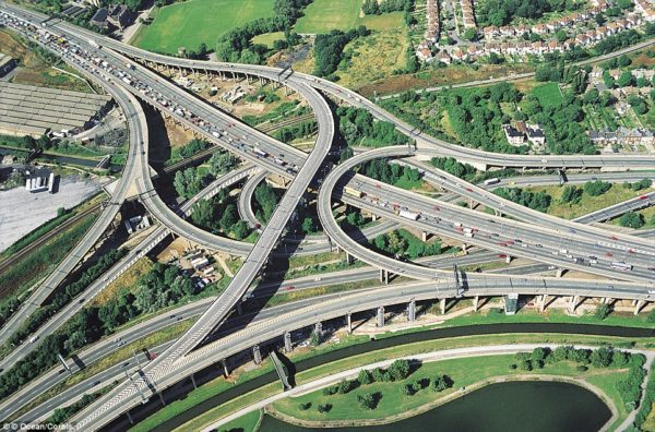 spaghetti road junction m6 600x396 at 9 Fascinating Road Junctions Across the World