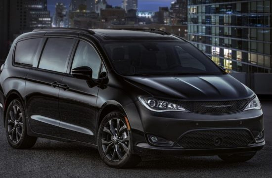 2018 Chrysler Pacifica S Appearance Package 1 550x360 at 2018 Chrysler Pacifica S Appearance Package Is for Gangsta Moms!