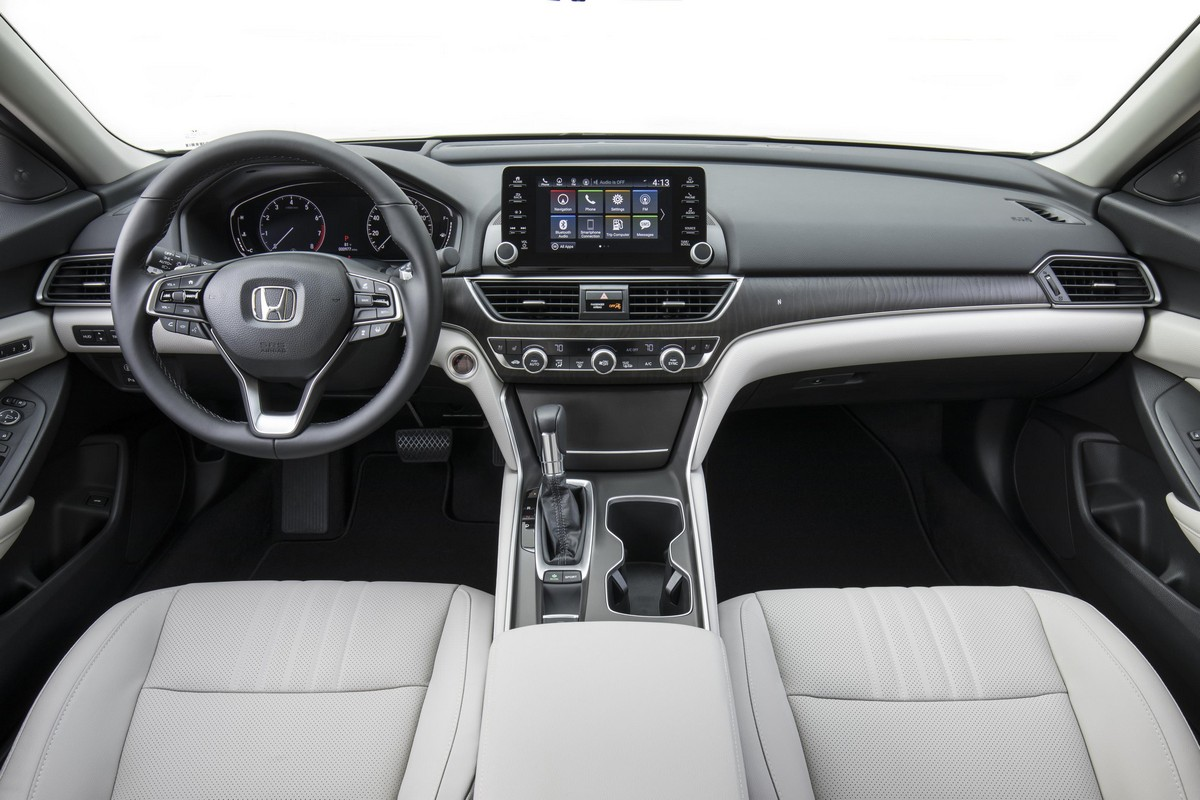 2018 honda accord 1 5t launches in u s msrp revealed for 2018 honda accord manual transmission