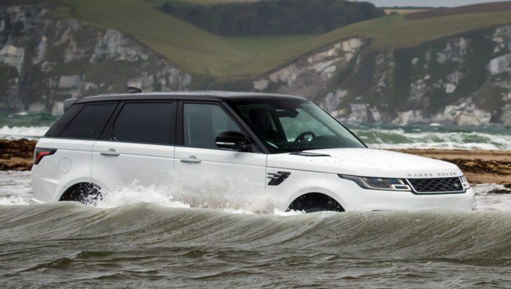 2018 Range Rover Sport water challenge 2 730x414 at 2018 Range Rover Sport Takes on Swimmers in Water Challenge!