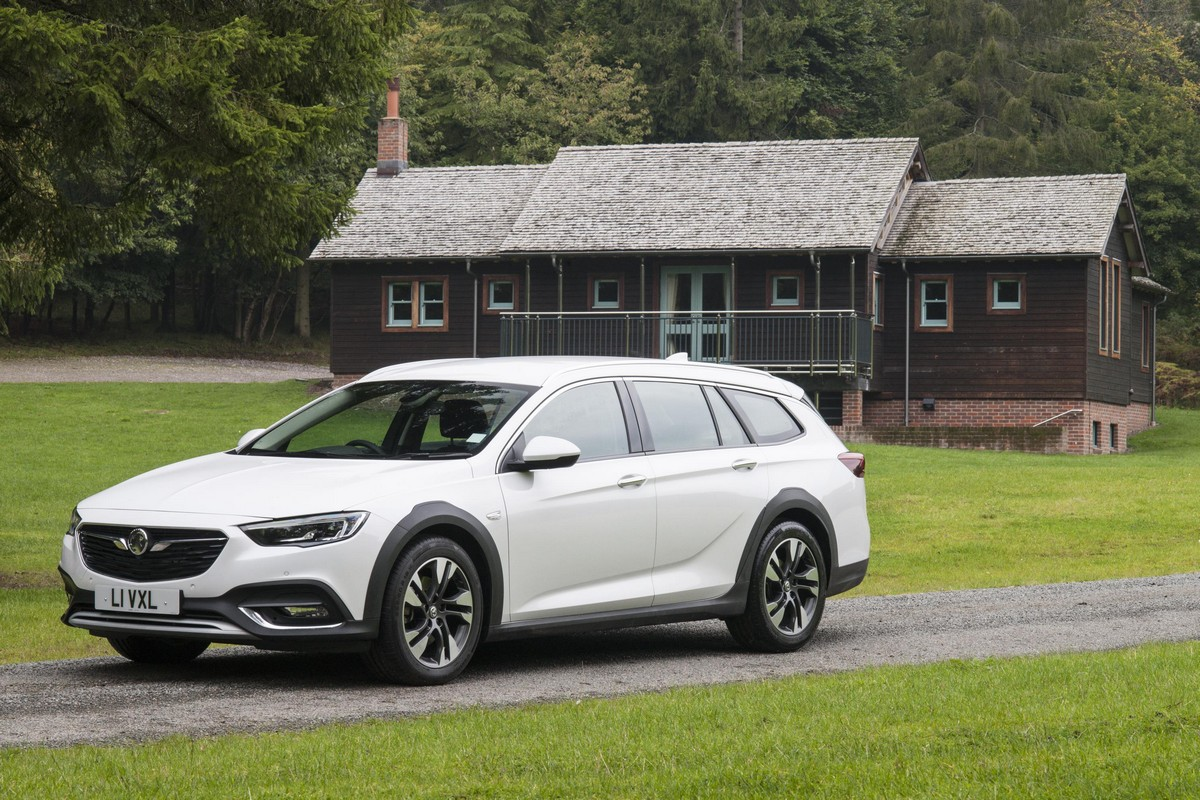 2018 Vauxhall Insignia Country Tourer Pricing And Specs