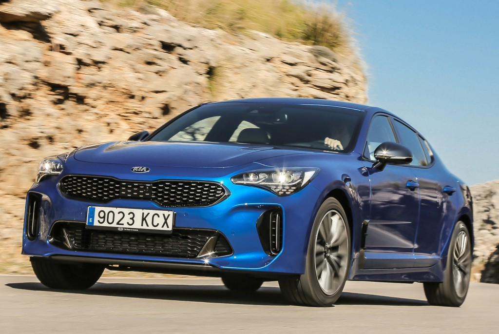 2018 kia stinger looks spectacular in micro blue. Black Bedroom Furniture Sets. Home Design Ideas