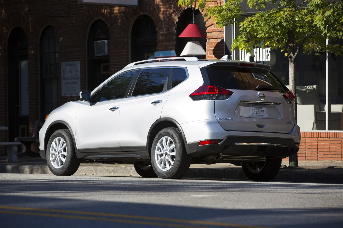 Nissan Rogue Select >> 2018 Nissan Rogue Goes on Sale in U.S. with ProPilot Technology